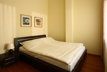 apartamnety-zlota-nic-apartament-moderne-sypialnia